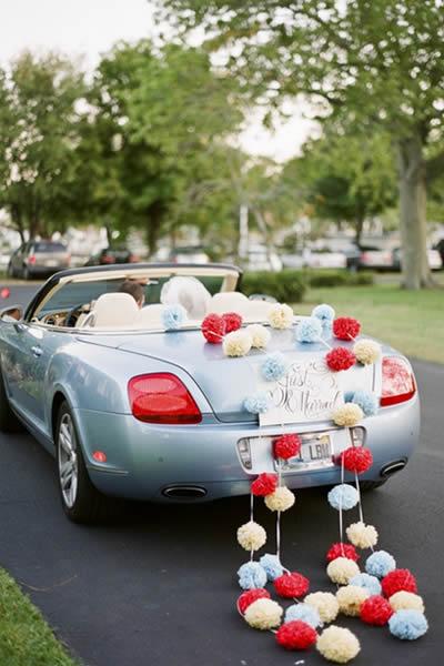 carro para carregar noivos decorado